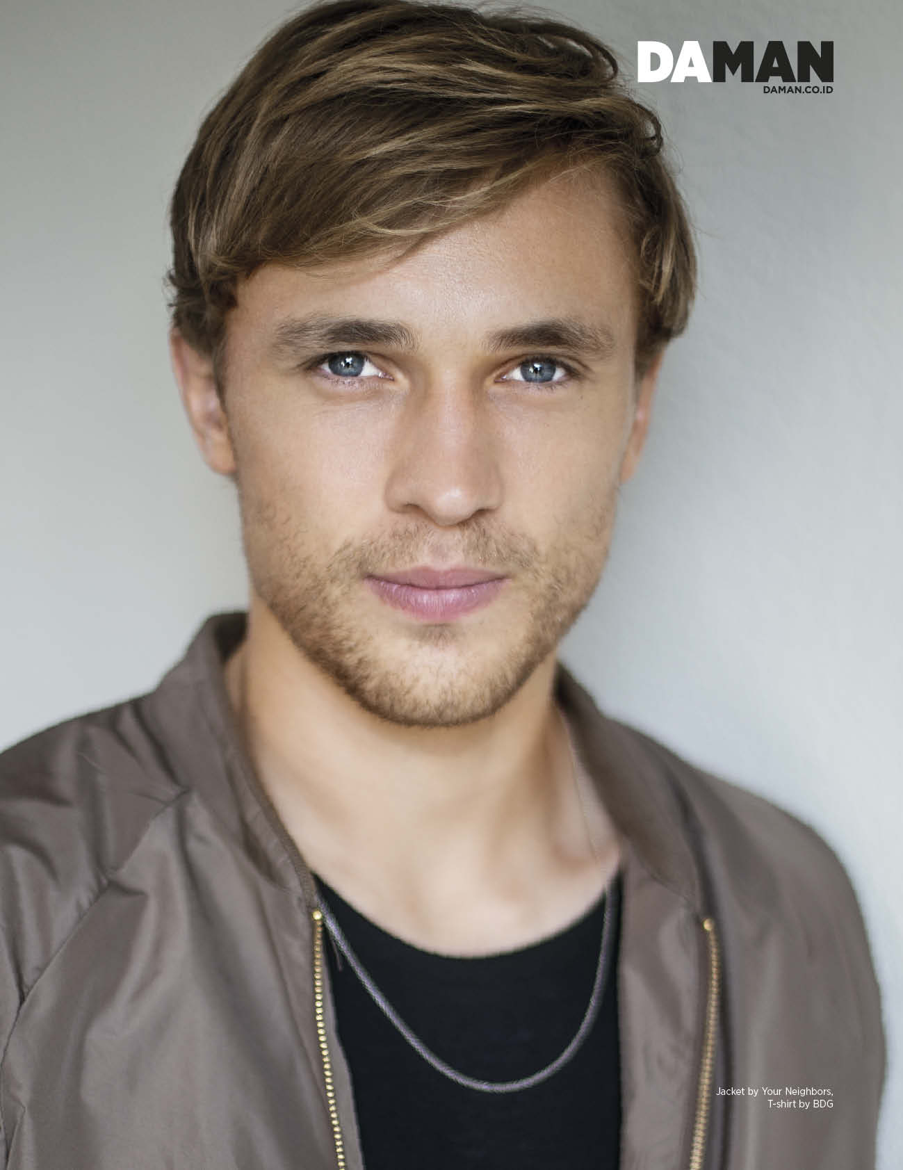 ONLINE-FEATURE_William-Moseley_Dec2014_