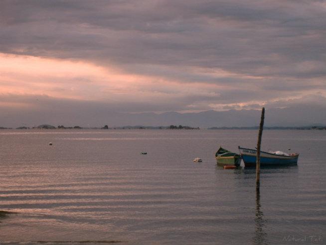 ilha-do-sol-vista-da-praia-das-pedrinhas-natural-tati-luz-del-fuego